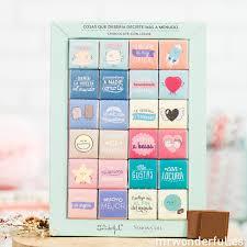 Un Pack de chocolate con letreros cariños por 9.95